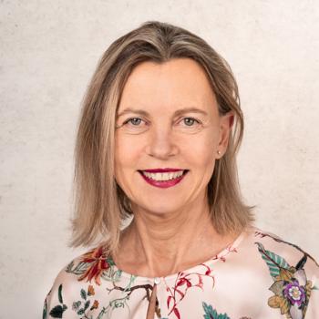 Dr. Martina Belz